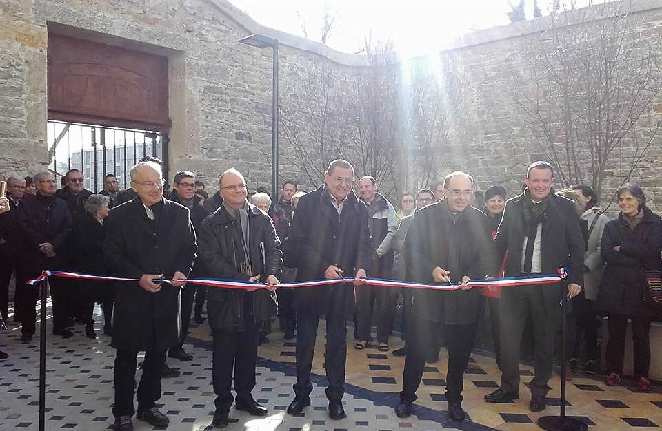 Photo coupe ruban Inauguration Richelieu